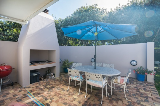 Back garden with built-in braai/BBQ