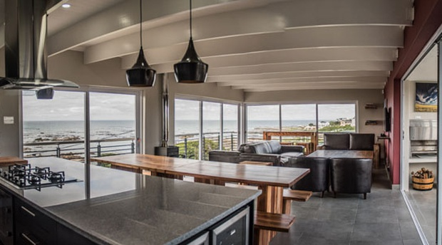 Hermanus Holiday Rentals, Villa View, Kleinbaai, 5 Star self catering holiday accommodation with amazing sea views